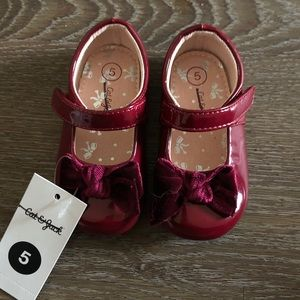 Toddler Girls cranberry Red Holiday Shoes size 5